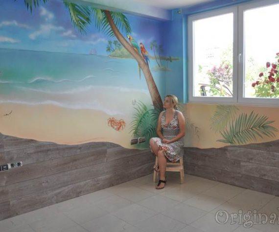 1402421598camera-bucuresti-pictura-murala-peisaj-exotic