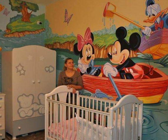 1402421351camera-brasov-pictura-murala-winniesi-mickey
