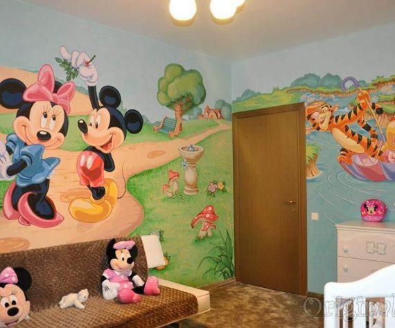 1402421380camera-brasov-pictura-murala-winniesi-mickey