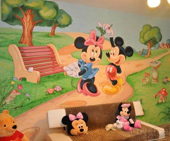 1402421389camera-brasov-pictura-murala-winniesi-mickey