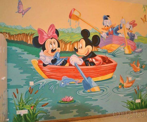 1402421394camera-brasov-pictura-murala-winniesi-mickey